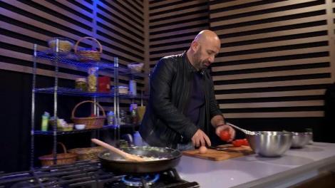 Chefi la cuțite. Cătălin Scărlătescu îi face mâncare lui Sorin Bontea: Îți dai seama ce înseamnă să-l ai pe Arcul de Triumf să-ți gătească?