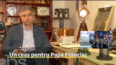 Un designer de ceasuri a creat un ceas personalizat pentru Papa Francisc