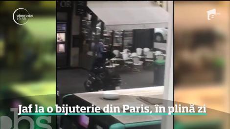 Jaf în plină zi la un magazin de bijuterii din centrul Parisului
