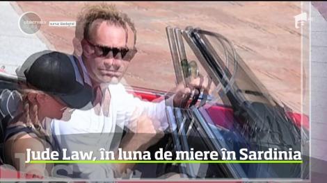Jude Law şi proaspăta sa soţie îşi petrec luna de miere în Sardinia