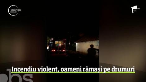 Incediu violent în Baia Mare, oameni rămași pe drumuri