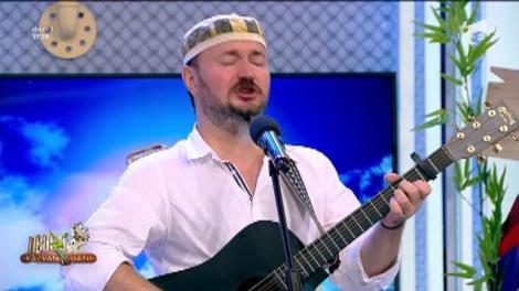 Radu Captări cântă, la Neatza cu Răzvan și Dani, melodia Serile Moscovei