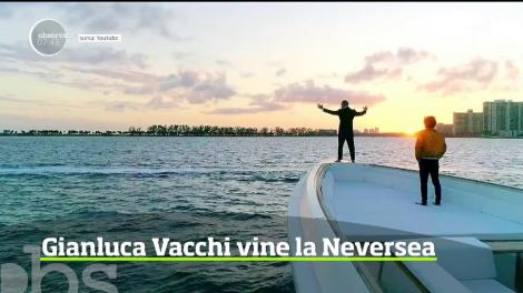 Gianluca Vacchi vine la Neversea