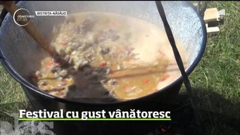 Răsfăţ culinar în Bistriţa-Năsăud. Zeci de vânători din Ardeal s-au întrecut într-un concurs savuros