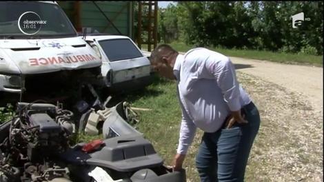 Un consilier local din judeţul Gorj este cercetat de poliţie pentru că ar fi furat motoarele unor ambulanţe vechi, parcate în curtea primăriei!