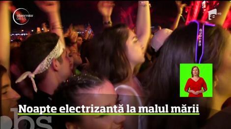Mii de petrecăreţi au făcut noapte albă în startul celei de-a treia ediţii a festivalului Neversea