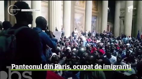 Celebrul Panteon din Paris, ocupat de câteva sute de imigranţi
