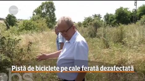 Mai bine de jumătate din căile ferate din România sunt lăsate în paragină