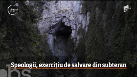 Speologii, exercițiu de salvare din subteran
