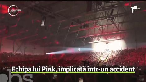 Echipa cântăreţei Pink, implicată într-un accident aviatic!