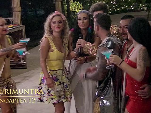 Insula Iubirii. Adrian nu renunţă la Maria şi încearcă să o impresioneze cu virilitatea lui!