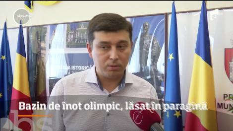 Bazinul Olimpic din Iaşi nu este gata nici după 30 de ani. Sportivii care fac performanţă sunt nevoiţi să facă naveta zilnic 80 de kilometri până la Roman