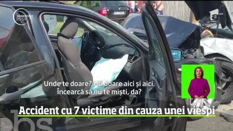 A provocat un accident cu șapte victime în Argeş și a dat vina pe o viespe! O adolescentă este în comă! Atenție, imagini cu un puternic impact emoțional! Video