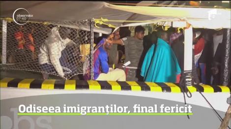 Poveste cu final fericit, în odiseea imigranţilor blocaţi pe o navă de pe Marea Mediterană, la limita apelor teritoriale italiene.