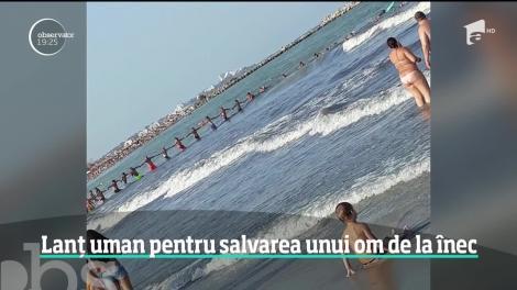 Momentul emoționant în care zeci de turiști au format un lanţ uman, pentru a salva un bătrân de la înec