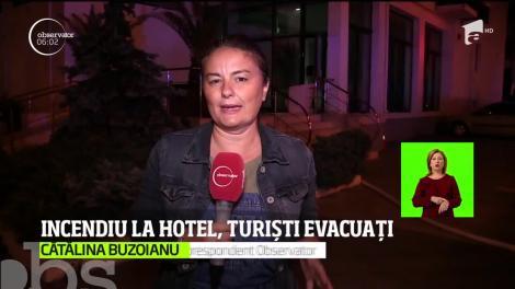 Momente de panică pe litoral! Zeci de turişti din Mamaia au făcut noapte albă, după ce o încăpere a hotelului unde erau cazaţi a luat foc