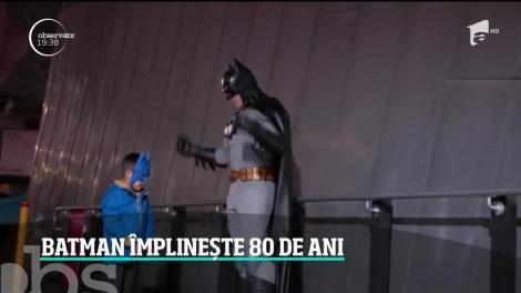 Celebrul personaj Batman împlineşte 80 de ani. Supereroul este sărbătorit în toată lumea