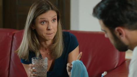 Sacrificiul, episodul 10. Ioana Popescu (Oana Cârmaciu) îi dă o palmă lui Lili Ionescu (Michaela Prosan)