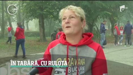 Zeci de copii în tabără, cu prima tabără mobilă din România