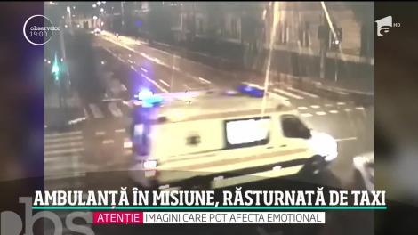 Momente de coşmar în centrul oraşului Cluj-Napoca. O ambulanţă cu un pacient în stare gravă s-a răsturnat, după ce a fost izbită de un taxi