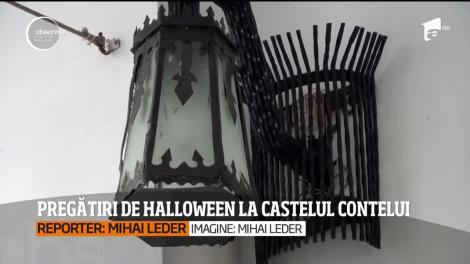 Pregătiri de Halloween la Castelul Dracula. Bucătarii îi așteaptă pe turişti cu ciolan de strigoi şi coaste de demon
