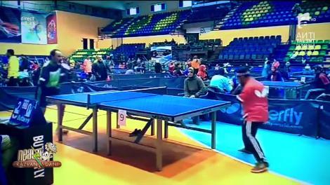 Smiley News - Neatza cu Răzvan și Dani. Cum joacă tenis de masă persoanele fără mâini