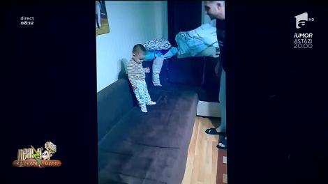 Smiley News - Neatza cu Răzvan și Dani. Copilașul care nu vrea să se culce. Dialog de senzație