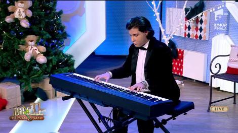 Nicholas Obedeanu Mihalache cântă, LIVE la Neatza cu Răzvan și Dani, colaj de Crăciun