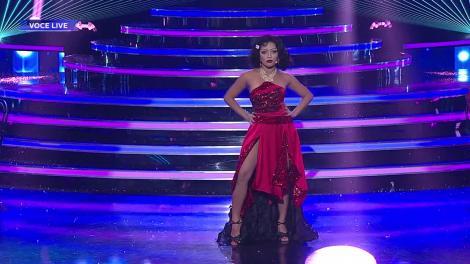 Te cunosc de undeva! Bella Santiago interpretează un fragment din musicalul O poveste de Crăciun