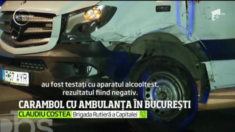 Accident rutier grav în centrul Capitalei. O ambulanţă care transporta un pacient a fost lovită, într-o intersecţie, de un microbuz de persoane