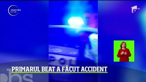 S-a urcat beat la volanul maşinii primăriei şi a făcut accident! Edilul din Câmpulung Muscel a dat de necaz