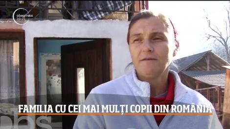 """VIDEO. Cum arată cea mai numeroasă familie din România! 20 de copii! Reacția incredibilă a mamei lor, când este întrebată cum îi cheamă. """"Pe toți?"""""""