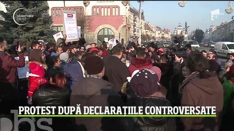 Comunitatea rromă din Târgu Mureș a cerut demisia edilului în faţa primăriei