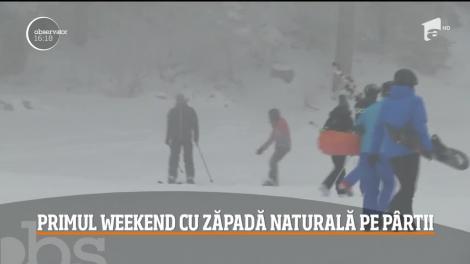 Amatorii de sporturi de iarnă sunt cât se poate de fericiţi, pentru că toate pârtiile din Poiana Braşov sunt într-o stare perfectă după ninsoarea din ultima perioadă