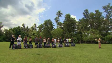 """Momente emoționante la Asia Express. Speak, aniversat în Filipine: """"Nu mă așteptam ca la 33 de ani să fiu pe plantație!"""""""