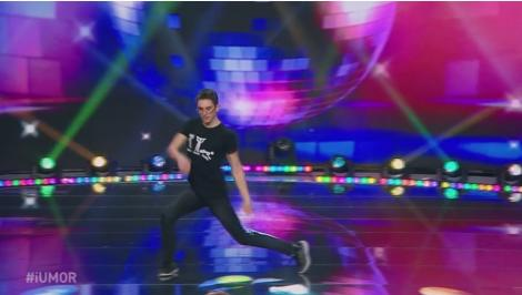 iUmor. Gangnam Style e istorie! Vlad Șchiopu a inventat un nou dans nebun! Șerban Copoț: Poate fi numit și dansul viermelui în prună