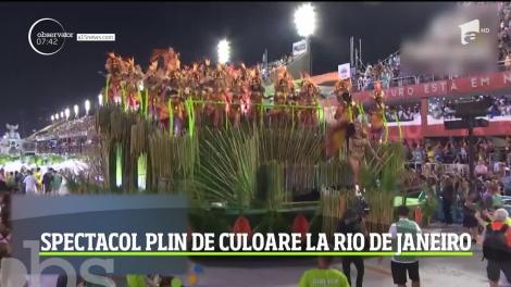 Explozie de culoare şi energie la carnavalul de la Rio de Janeiro