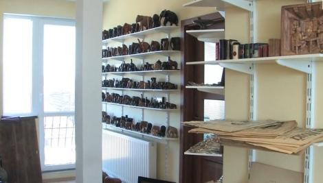 Un bărbat din Oradea pasionat de istorie a transformat locuinţa părinţilor într-un muzeu