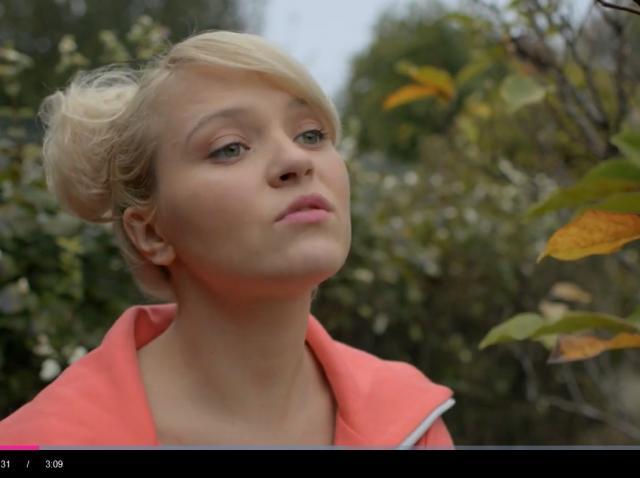 """Sveltana face gimnastică în parc, îmbrăcată extrem de sexy: """"Vreau să fiu gumoasă, e o cerință în meseria mea"""""""