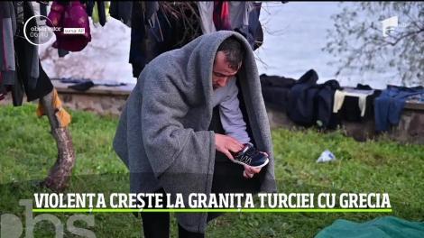 Violența crește la granița Turciei cu Grecia. Refugiaţii care sperau să poată intra în spaţiul Schengen au ajuns să fie prinşi între două focuri