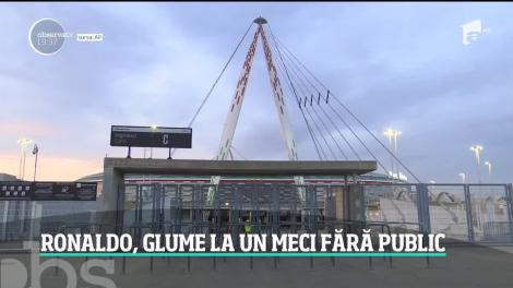 Derby-ul dintre Juventus şi Inter Milano, fara spectatori! Cristiano Ronaldo a dat mâna, în glumă, cu fanii imaginari