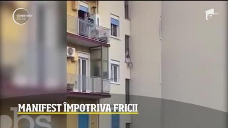 Flashmob muzical în întreaga Italie, împotriva fricii, la balcoane!