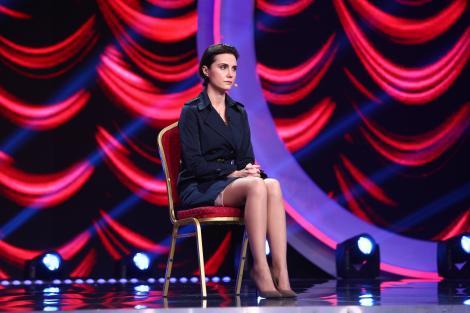 Are glumele la ea! Alice Cora Mihalache face show cu numărul ei de comedie pe scena iUmor