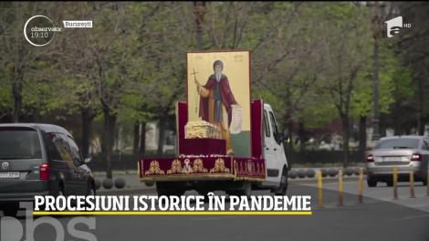 Biserica vrea să învingă pandemia cu racla cu moaşte. Procesiuni fără public au avut loc în mai multe oraşe din ţară