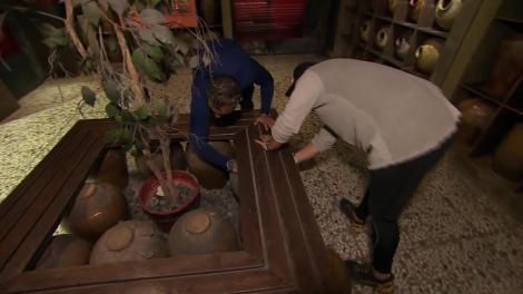 Muzeul de Vin din Taiwan, locația următoarei misiuni: Trebuie să găsim monede printre ulcioare!