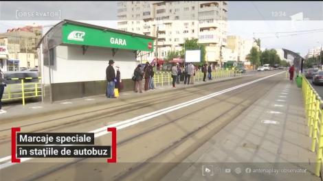 """Cum arată marcajele speciale din stațiile de autobuz și tramvai. Oamenii nu cred în respectarea lor: """"Tot o să se înghestuie lumea"""""""