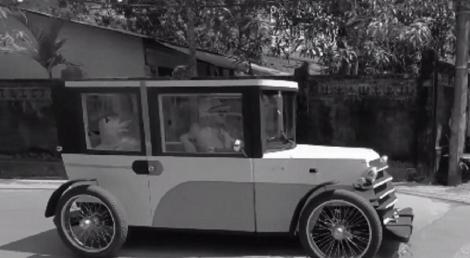 Velomobilul de familie, inventat de un pictor român