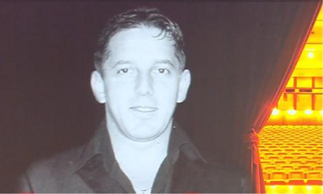 Costin Mărculescu, mort și uitat în casă. Vecinii spun că lătratul câinelui s-a auzit două zile, aproape fără oprire