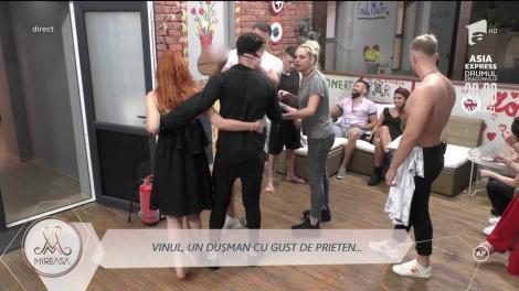 """Amenințări și gesturi brutale! Vinul, mărul discordiei! Gestul lui Lică a iscat un scandal în casa """"MIreasa!""""  VIDEO"""