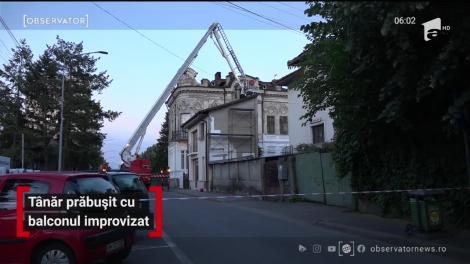 Un tânăr de 18 ani a scăpat ca prin minune, după ce s-a prăbuşit cu tot cu balcon!